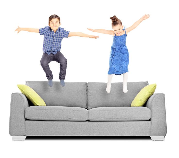Skákání na gauči